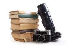Macchina fotografica e libro fotografie stock libere da diritti