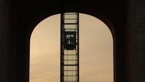 Macchina fotografica fissa di un elevador di vetro de di Mara fija de un del ¡ dell'elevatore CÃ cristal video d archivio