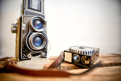 Macchina fotografica reflex della vecchia gemello-lente con l'esposimetro Immagini Stock Libere da Diritti