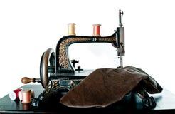 Macchina per cucire antica, isolata Fotografia Stock