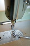 Macchina per cucire industriale Fotografia Stock Libera da Diritti