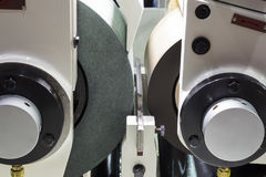 macchina stridente centerless di CNC di alta precisione Immagine Stock