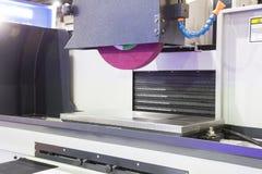 macchina stridente orizzontale di CNC di alta precisione Immagine Stock