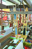 Macchina tessuta tailandese della seta Immagine Stock