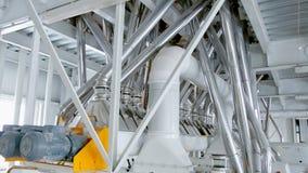 Macchinario elettrico del mulino per la produzione della farina di frumento Attrezzatura del grano grano agricoltura industriale Fotografia Stock Libera da Diritti