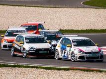 Macchine da corsa di VW Golf immagine stock libera da diritti