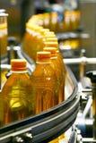 Macchine di riempimento ed imballatrici nell'industria Immagini Stock