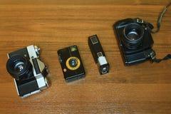 Macchine fotografiche antiquate della foto messe Fotografie Stock Libere da Diritti