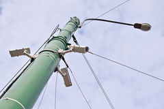 Macchine fotografiche del CCTV e palo della lampada di via Immagini Stock Libere da Diritti
