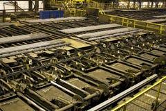 Macchine per la movimentazione della barra d'acciaio Immagini Stock Libere da Diritti