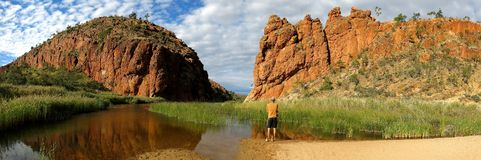 MacDonnell spänner nationalparken, det nordliga territoriet, Australien royaltyfria bilder