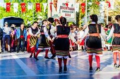 Macedonia Ludowi tancerze W Krajowym suwerenności i dzieci ` s dnia świętowanie - Turcja obrazy royalty free