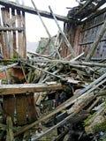 Macerie e le rovine della casa distrutta dal earthqu potente Immagine Stock