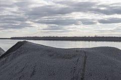 Macerie naturali grige della ghiaia Fotografie Stock Libere da Diritti