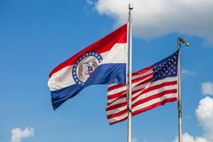 Machać flaga Stany Zjednoczone i stan Missouri z fotografia stock