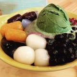 Macha-Eiscreme mit Wasserbrotwurzelsago Lizenzfreie Stockfotos