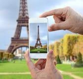 Machen des Fotos des Eiffelturms Lizenzfreie Stockfotografie