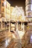Machen des Fotos durch Mobile Lizenzfreie Stockbilder