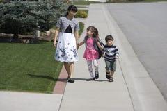 Machen eines Spaziergangs. Lizenzfreie Stockbilder