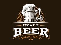 Machen Sie Bierlogo-Vektorillustration, Emblembrauereidesign in Handarbeit stock abbildung