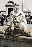 Machen Sie Brunnen in Rom fest Lizenzfreie Stockfotografie
