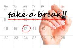 Machen Sie eine Pause, die gemerkt wird, markiert im Kalender oder in der persönlichen Tagesordnung stockfotografie