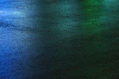 Machen Sie farbigen Asphalt nass Abbildung kann als Hintergrund benutzt werden Stockfotografie