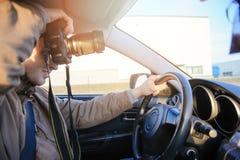 Machen von Fotos innerhalb des Autos Lizenzfreie Stockfotos
