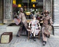 Machen von Fotos mit lebender Skulptur in Chengdu, Porzellan Lizenzfreie Stockfotografie