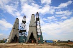 Torre de perforación de la perforación en la mina del hierro de MaCheng, condado de Luannan, Hebei favorable Imagen de archivo libre de regalías