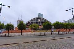 Machester konwencji środkowy kompleks z drapacz chmur w budowie za zdjęcie stock