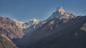 Machhapchhre στο Νεπάλ himalayan Στοκ Εικόνες