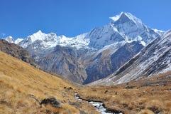 Machhapuchhre, Гималаи Непал стоковые изображения rf