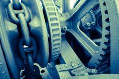 Machinalny łańcuch i cog metal kotwica w wielkim statku Zdjęcie Royalty Free
