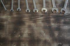 Machinalny narzędzie kompilujący na stole zdjęcie stock