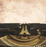 Machine à écrire avec la page vide Photographie stock libre de droits
