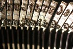 Machine à écrire de cru - clés de numéro et de lettre Image stock
