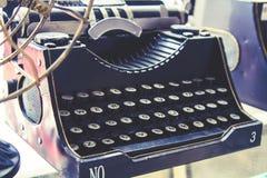Machine à écrire rétro et couleur de vintage images libres de droits