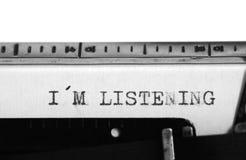 Machine à écrire Texte de dactylographie : écoute d'i m Photographie stock libre de droits
