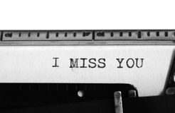 Machine à écrire Texte de dactylographie : tu me manque Photographie stock libre de droits