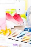 Machine à coudre et accessoires de couture Photos libres de droits