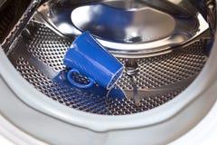 Machine à laver de cuillère de tasse de démence Images libres de droits
