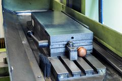 Machine à plaque magnétique de rectification superficielle photo libre de droits