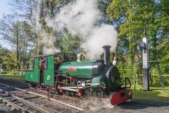 """Machine à vapeur """"Blanche """"à la station de Woody Bay en Devon image libre de droits"""
