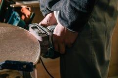 Machine électrique de meulage, processus par meuble images libres de droits