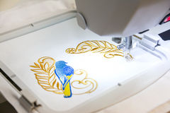 Machine assistée par ordinateur de broderie Image libre de droits