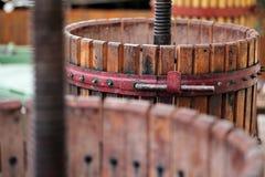 Machine d'écrasement des raisins photographie stock libre de droits