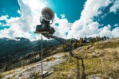 Machine d'émetteur de neige, tir grand-angulaire Image stock