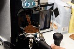 Machine de café Boisson de matin Préparation d'expresso Image libre de droits