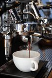 Machine de café de barman Image stock